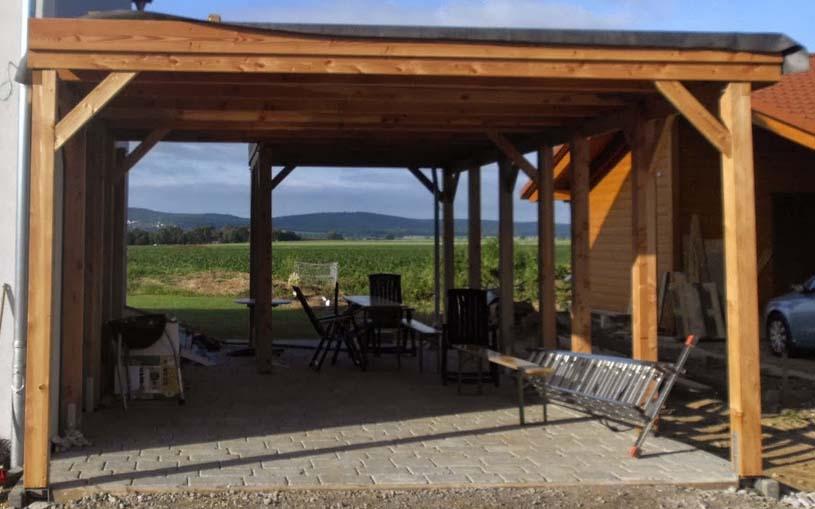 Einen Carport-Bausatz aus Holz kann man auch selbst aufbauen