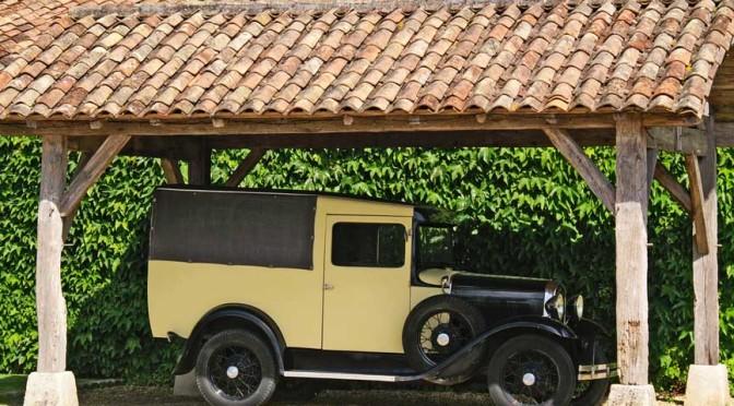 Einzel-Carport mit Auto